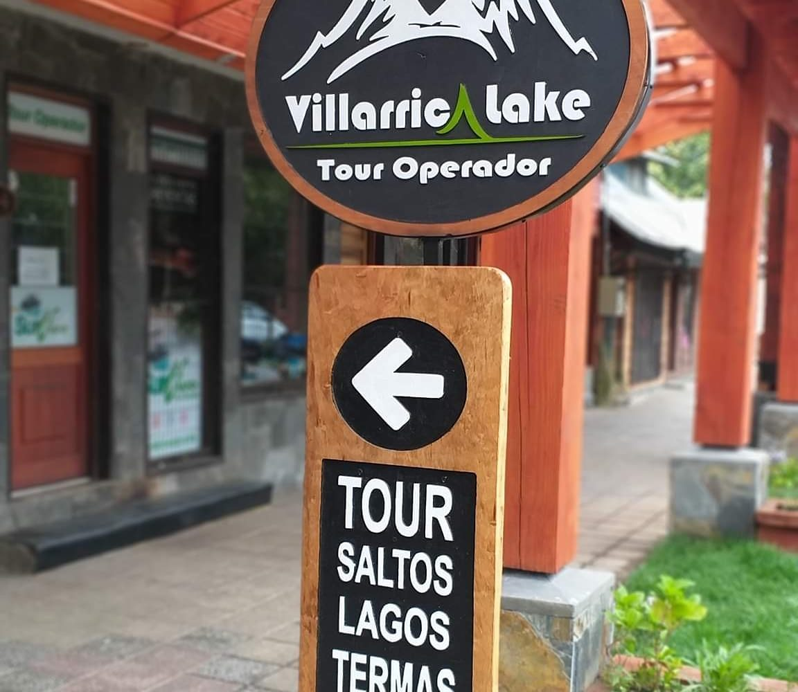 Oficina de Turismo Villarrica Lake